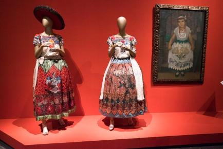 mexico-city-dress-exhibit-44