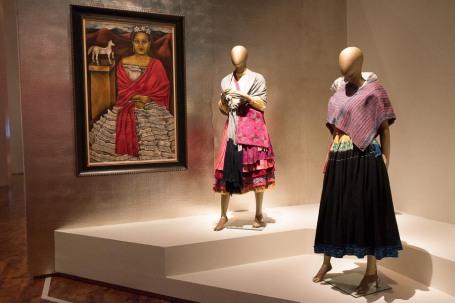 mexico-city-dress-exhibit-67