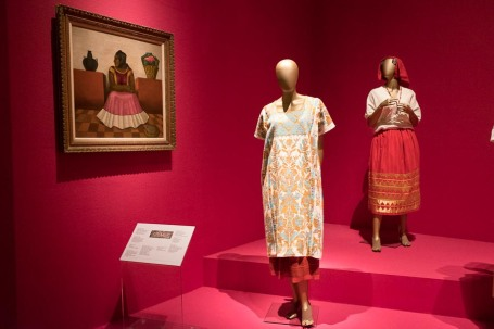 mexico-city-dress-exhibit-68
