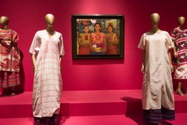 mexico-city-dress-exhibit-69